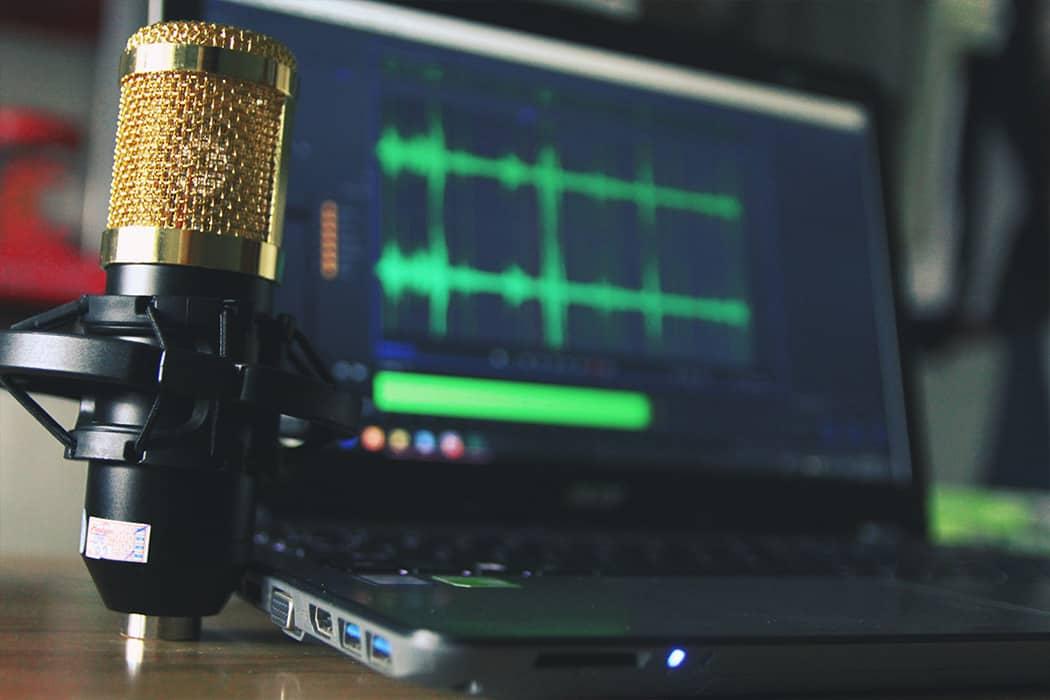 Gold mic in home studio